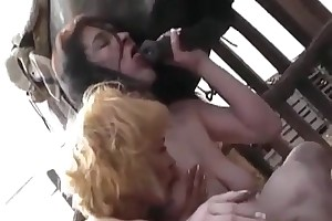 video of woman having sex with animals porn videos